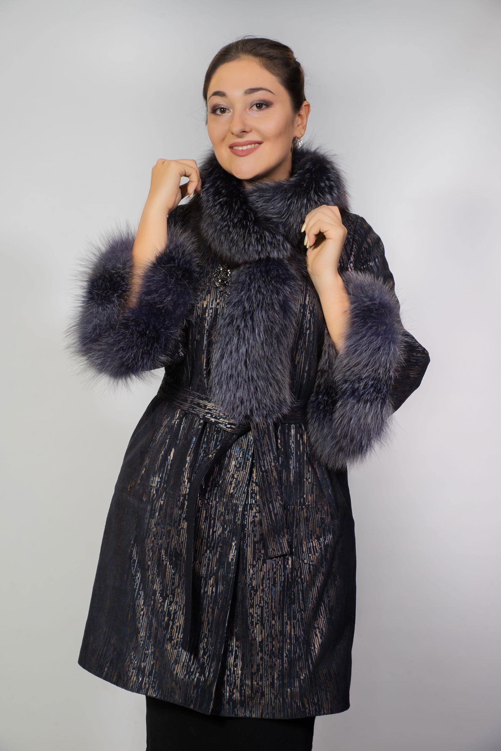 Женское пальто с воротником из песца18-2-0650