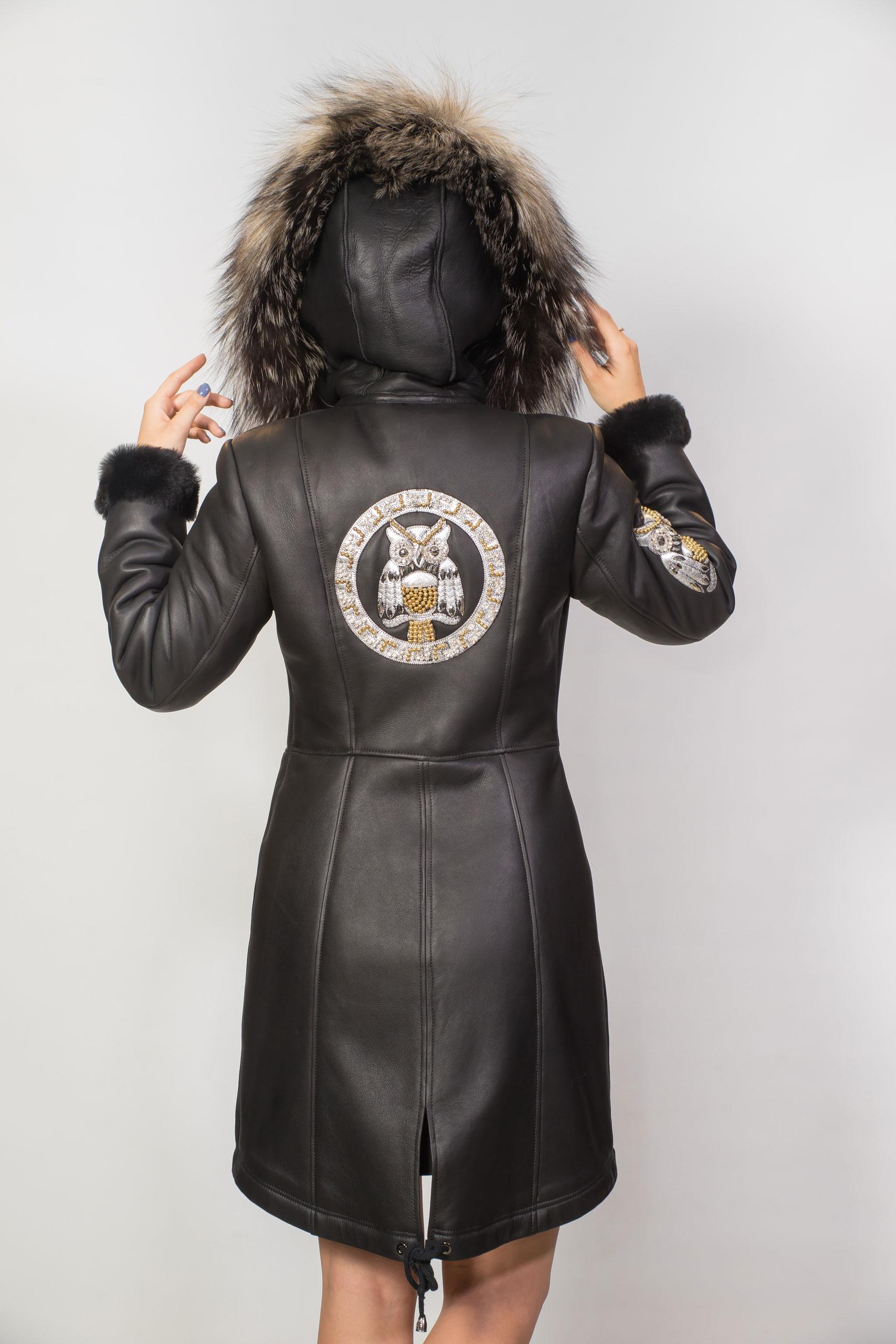 Женская дубленка из натурального меха, капюшон из меха лисы, покрытие — силка1829