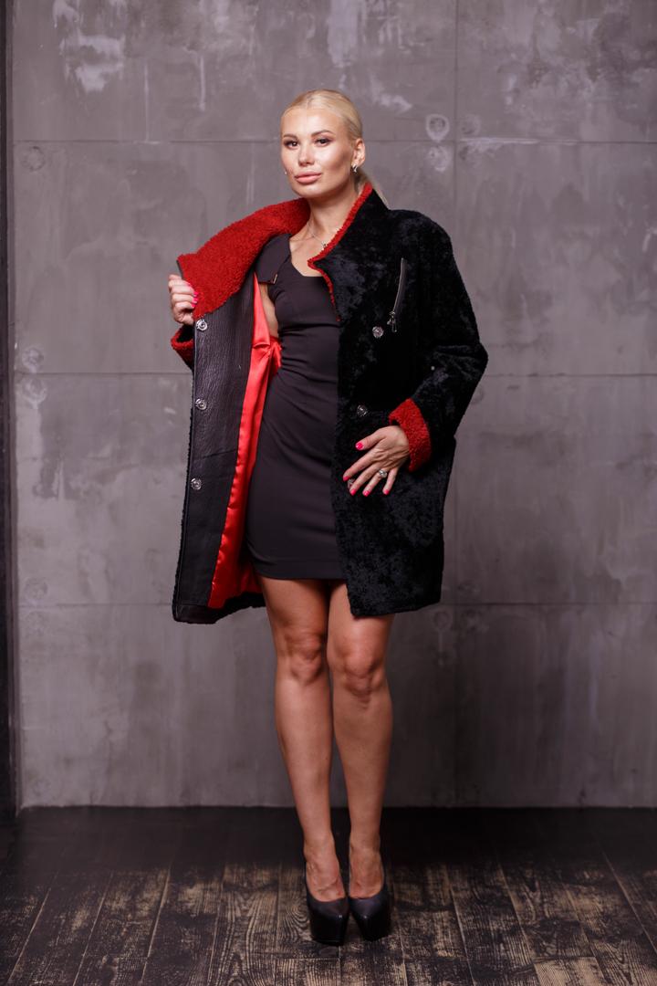 Женская шуба из меха АстраганаKK-10017