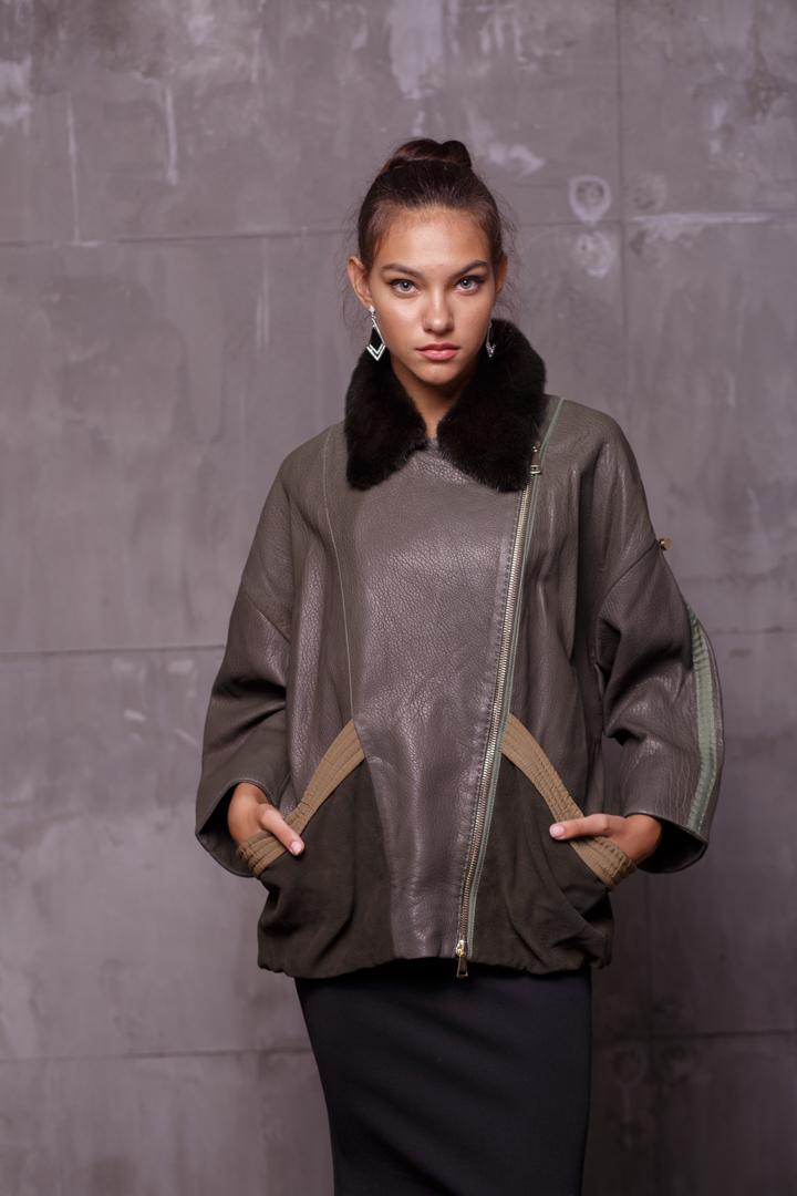Женская Кожаная куртка с меховым воротникомZ-1835
