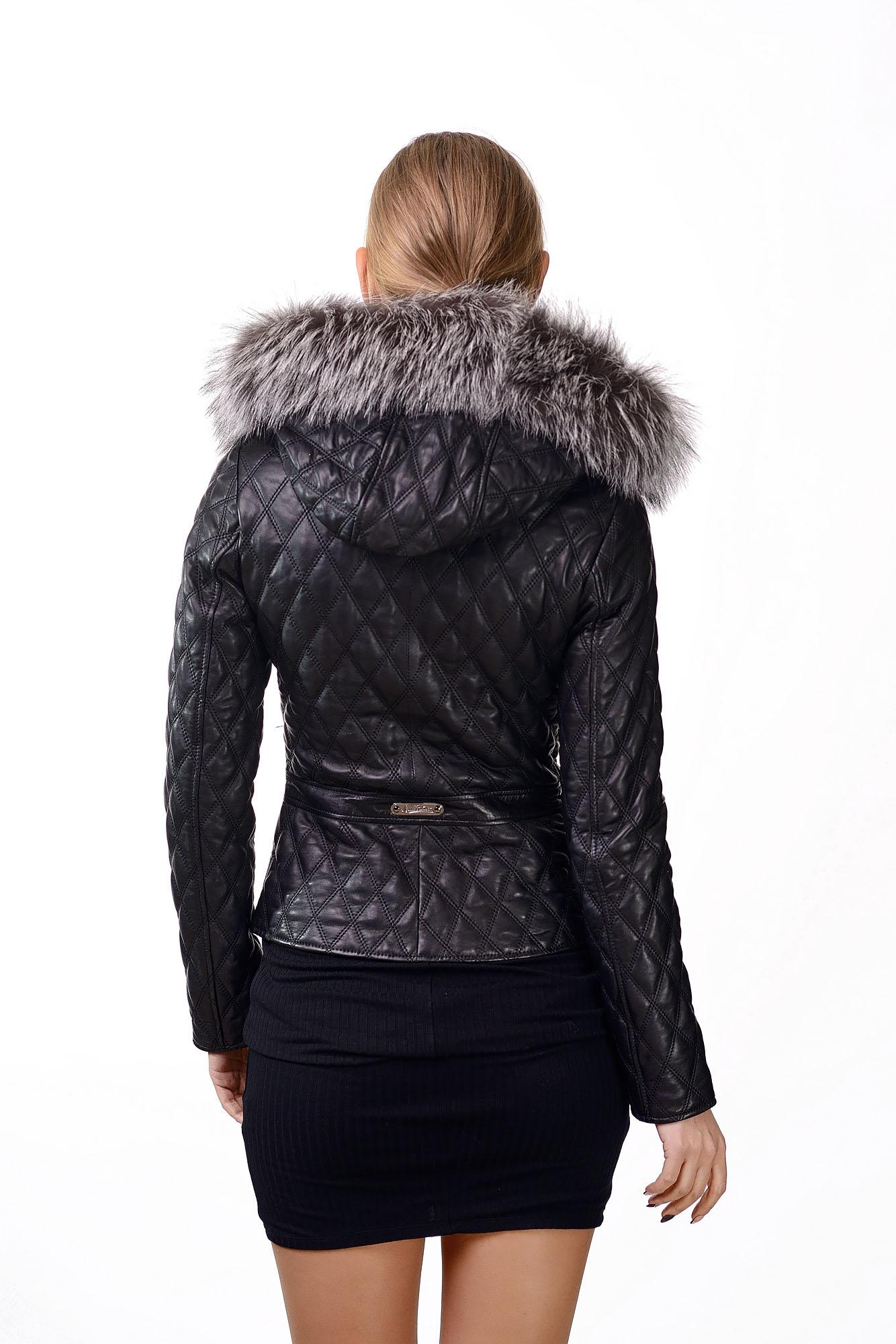 Женская кожаная куртка с мехом черноборкиK=4