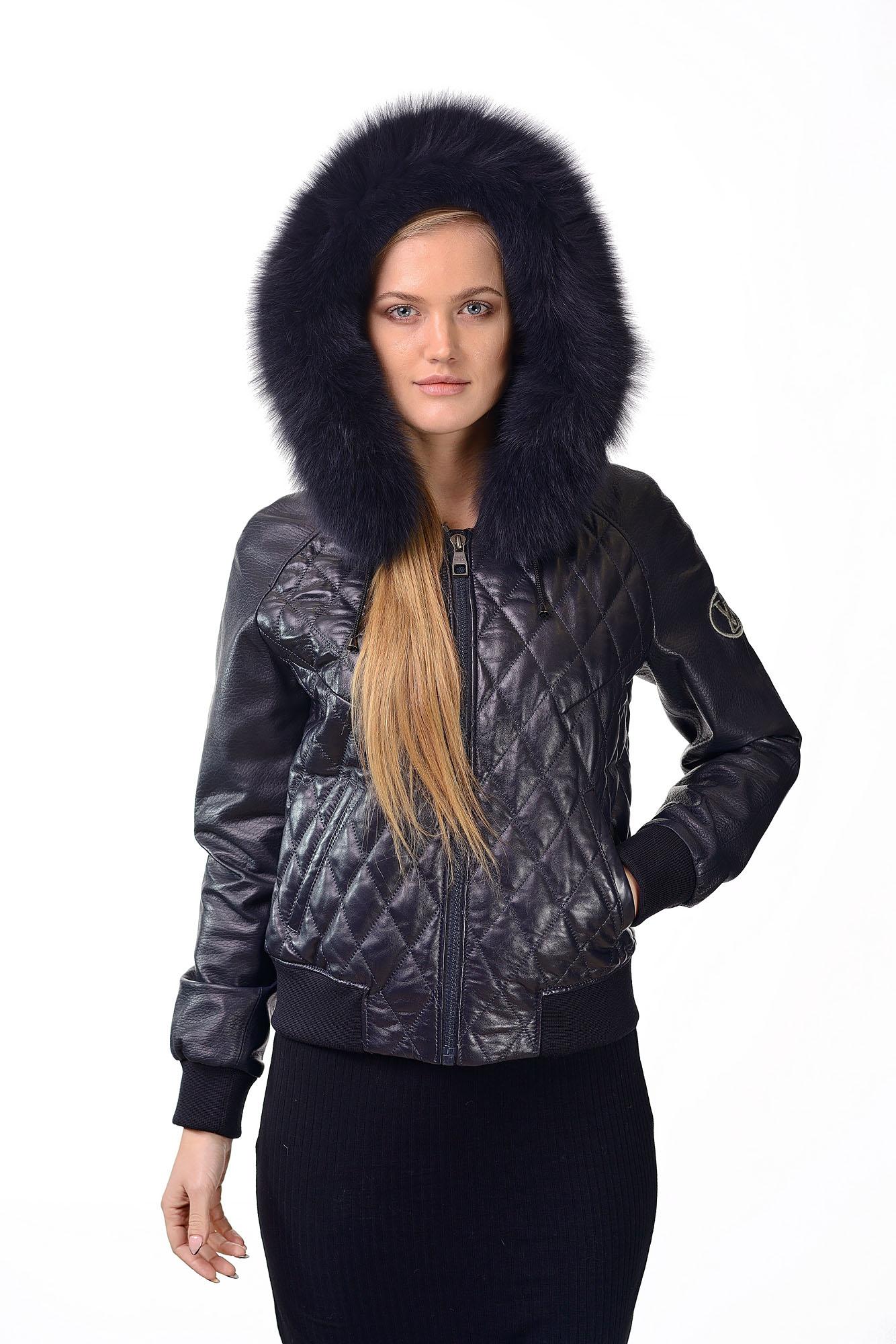 Женская кожаная куртка с мехом песцаB=75