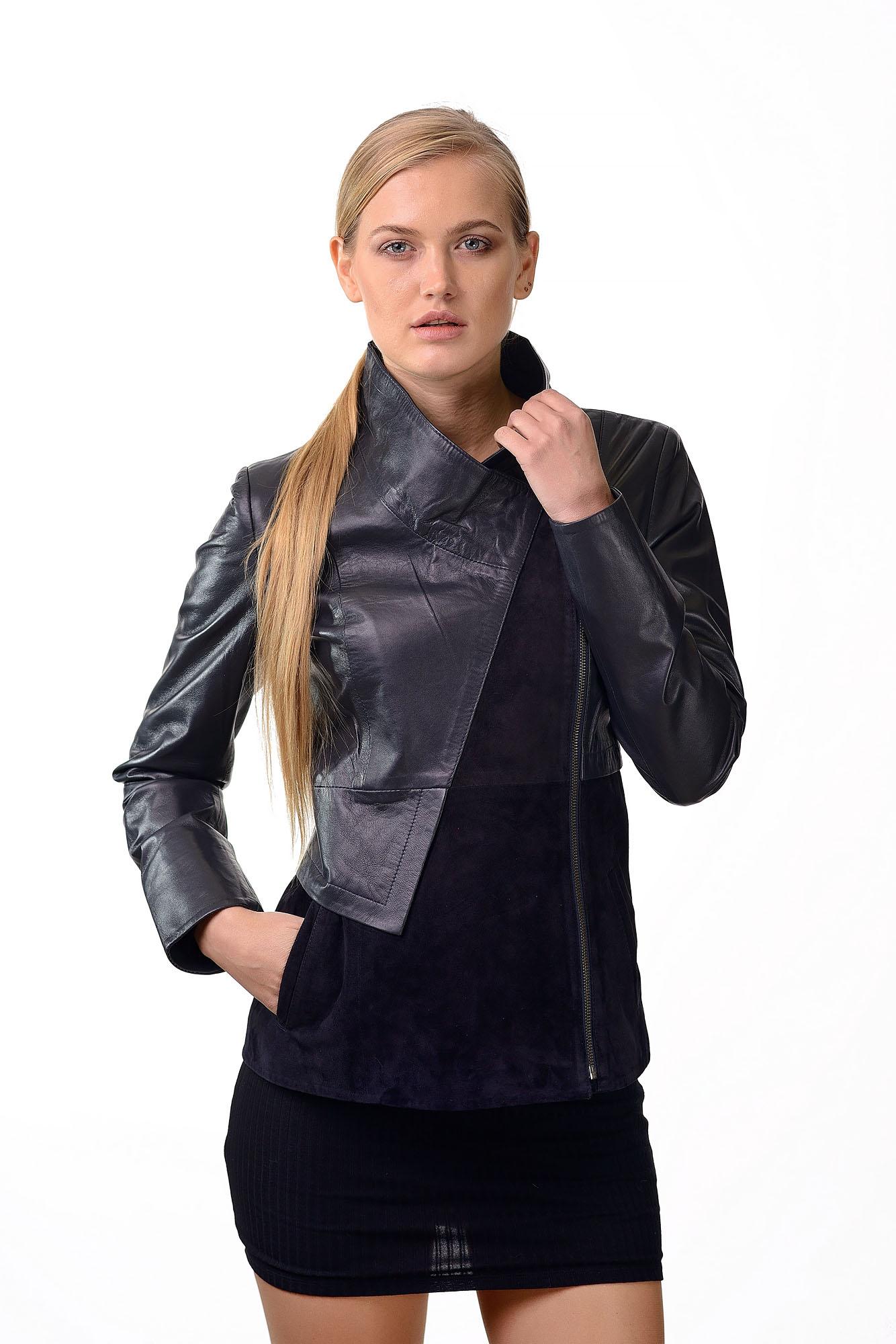 Женская кожаная куртка с замшевой вставкой2575