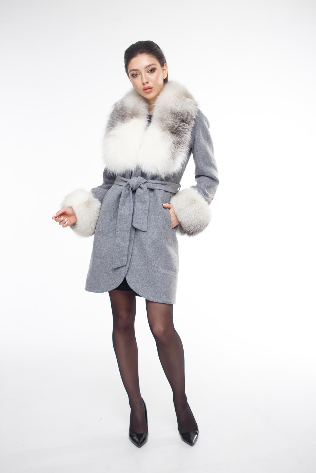 Женское пальто из альпаки, отделка блюфростALPAKA1