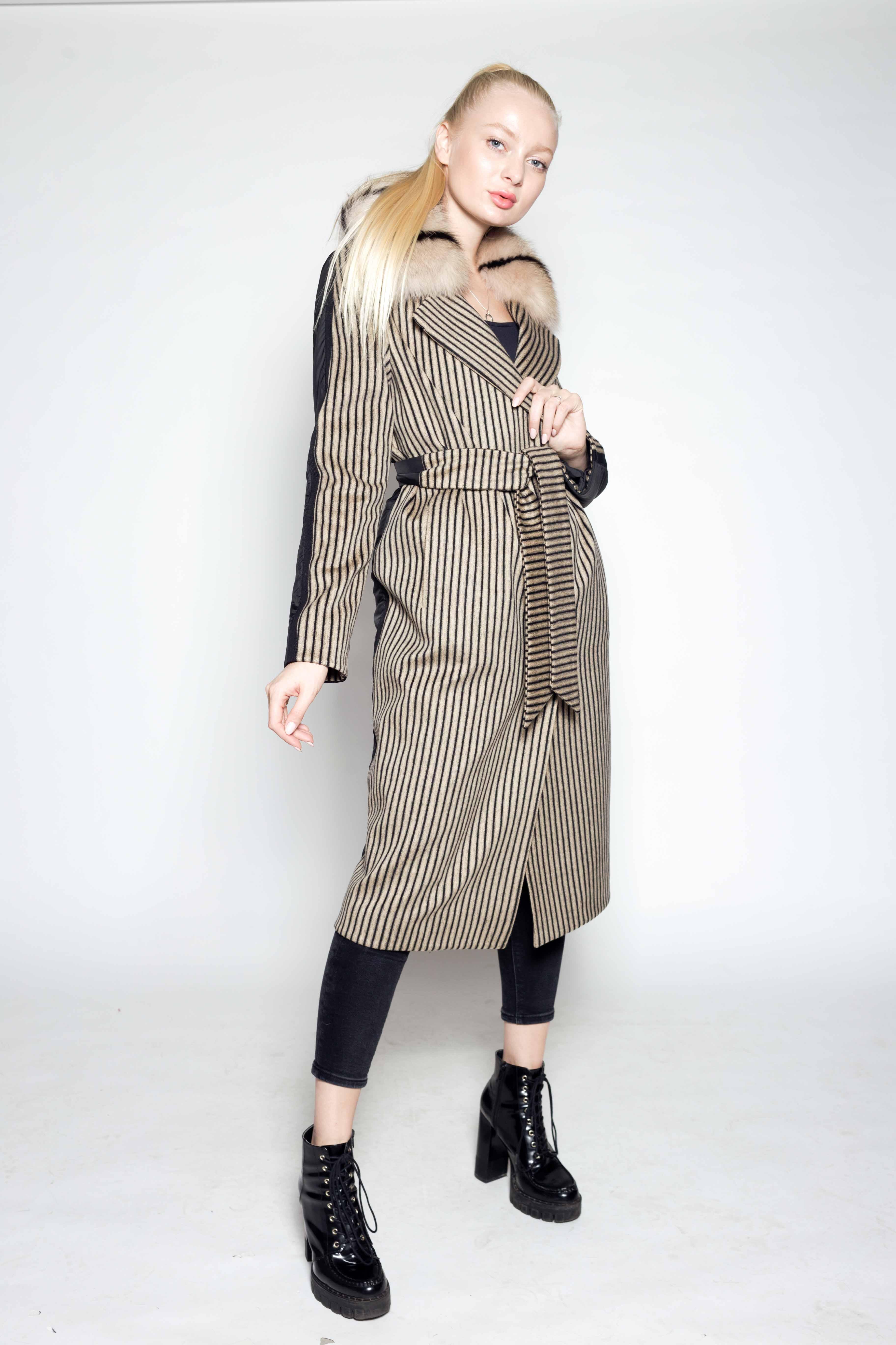 Женское пальто в комбинации с плащевкой 8122