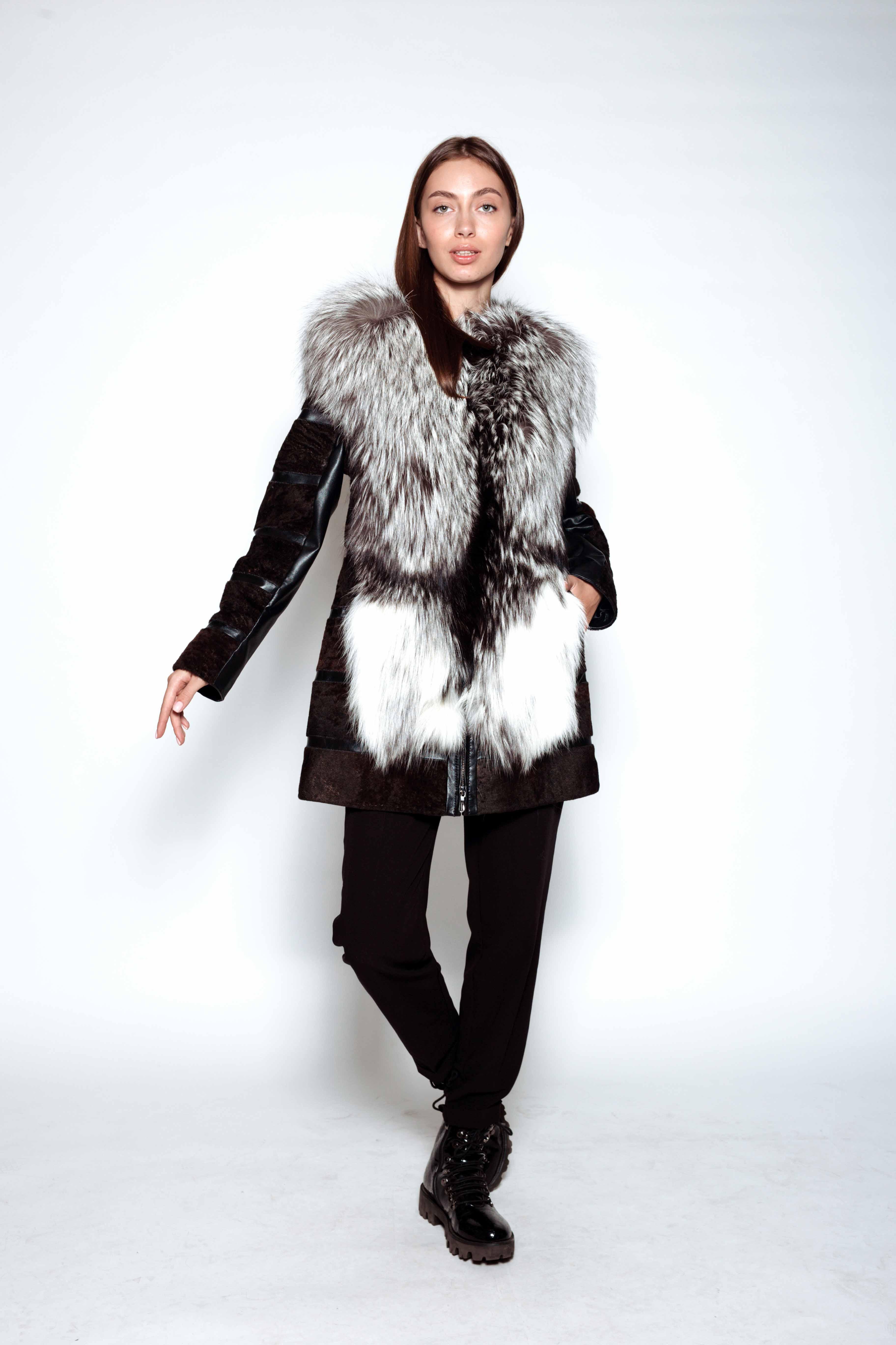 Женская шуба из меха овчины с воротником из чернобурки С-200 poni