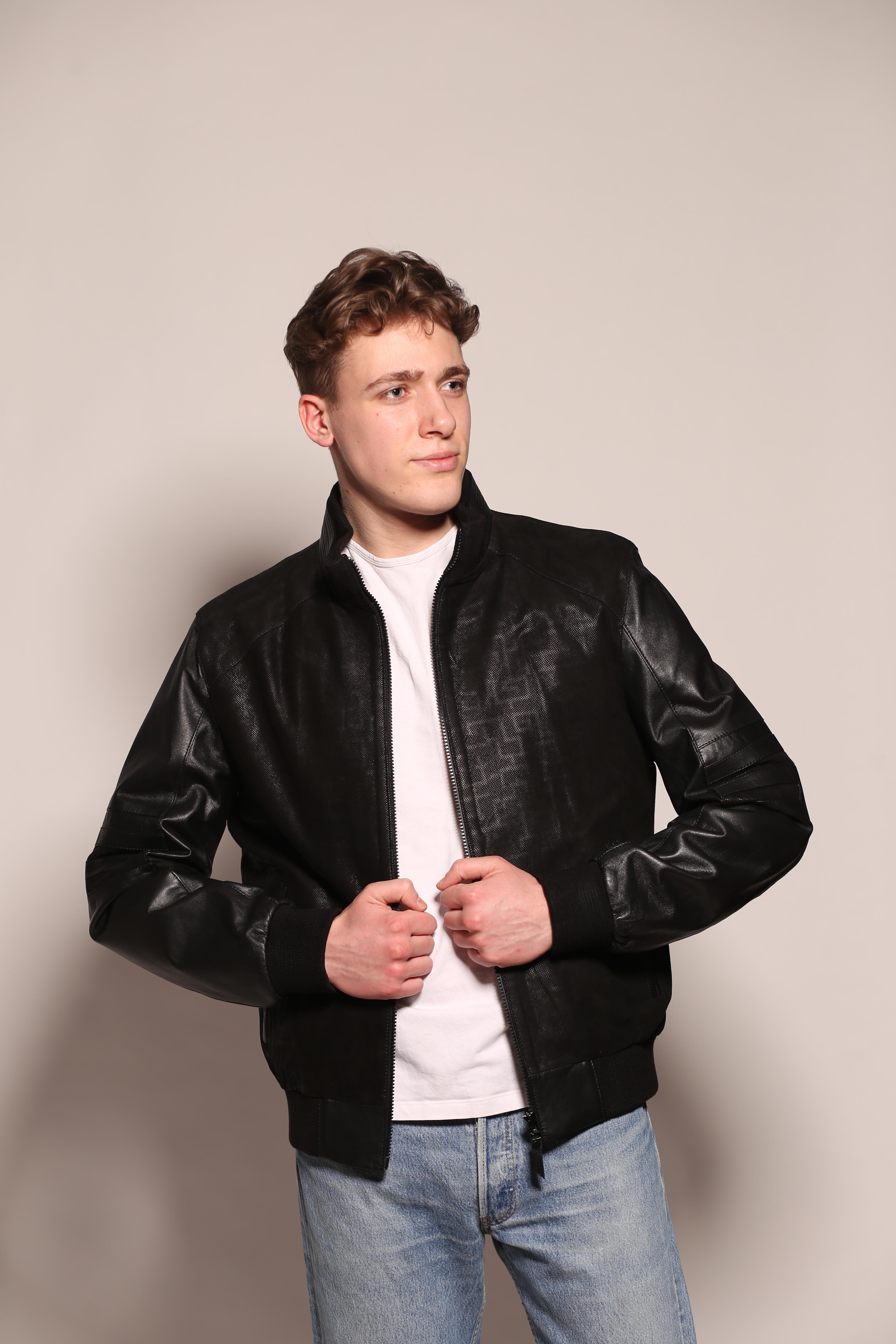 Мужская кожаная куртка М-101