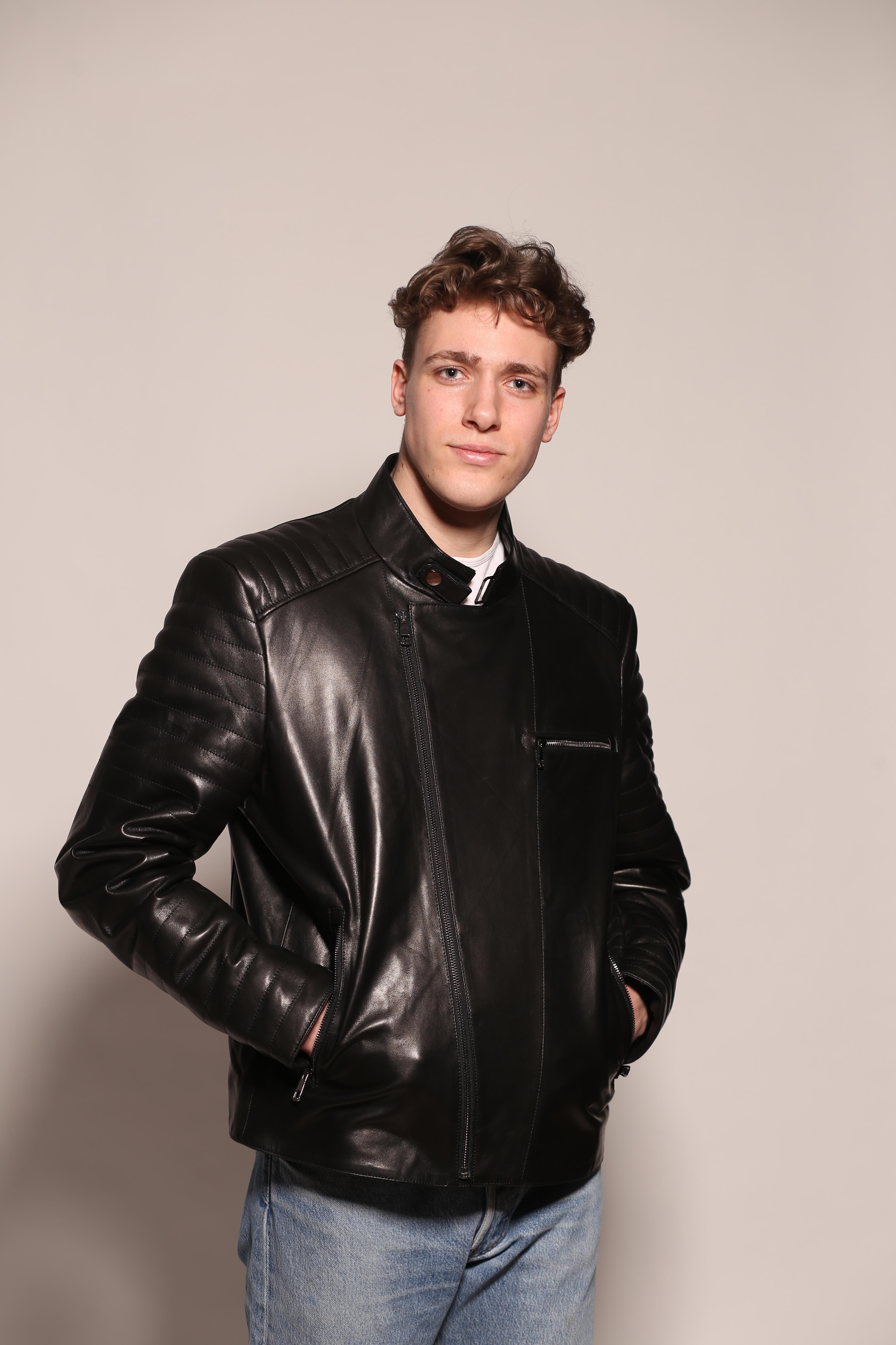 Мужская кожаная куртка 107