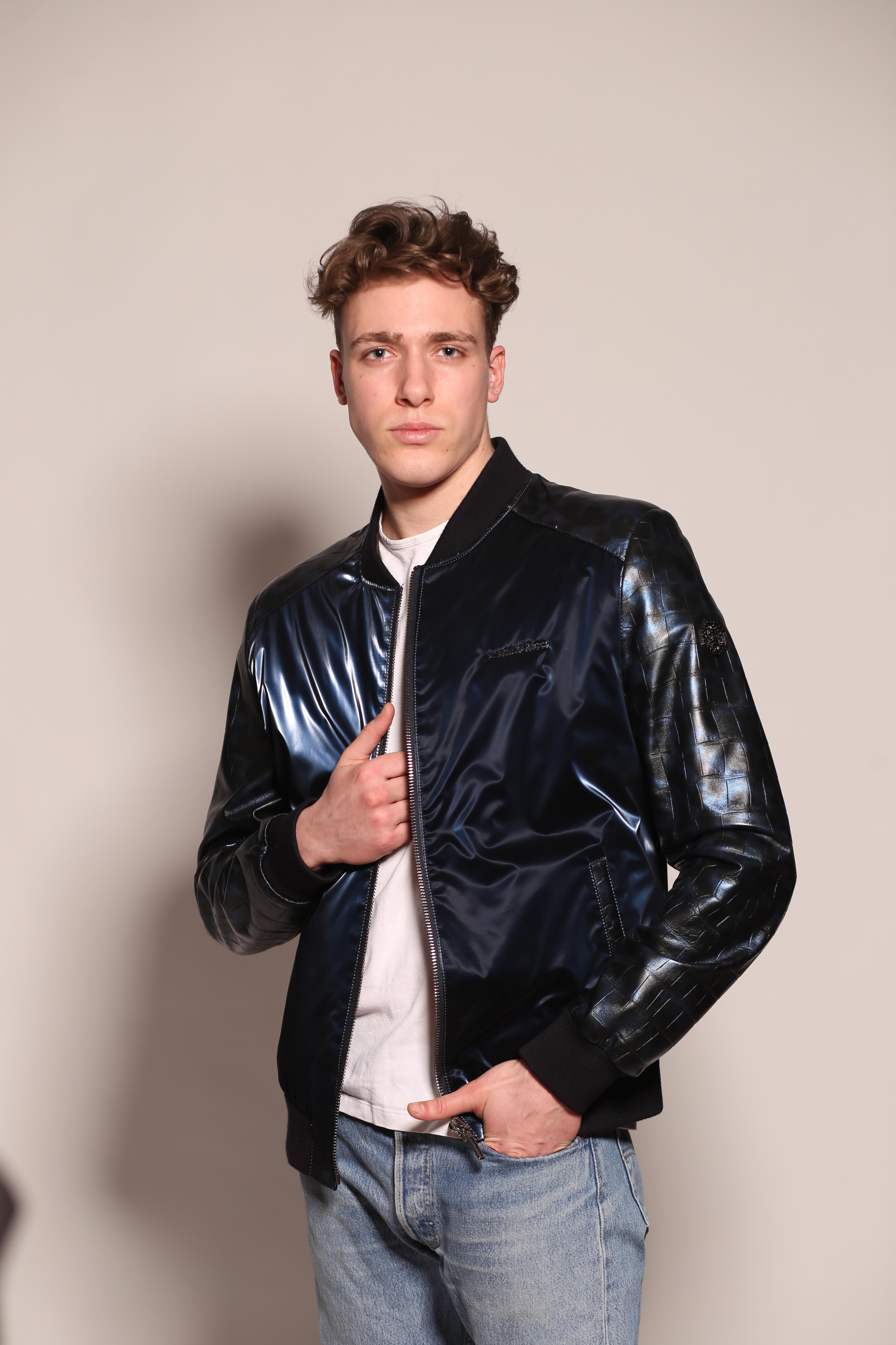 Мужская кожаная куртка M-8