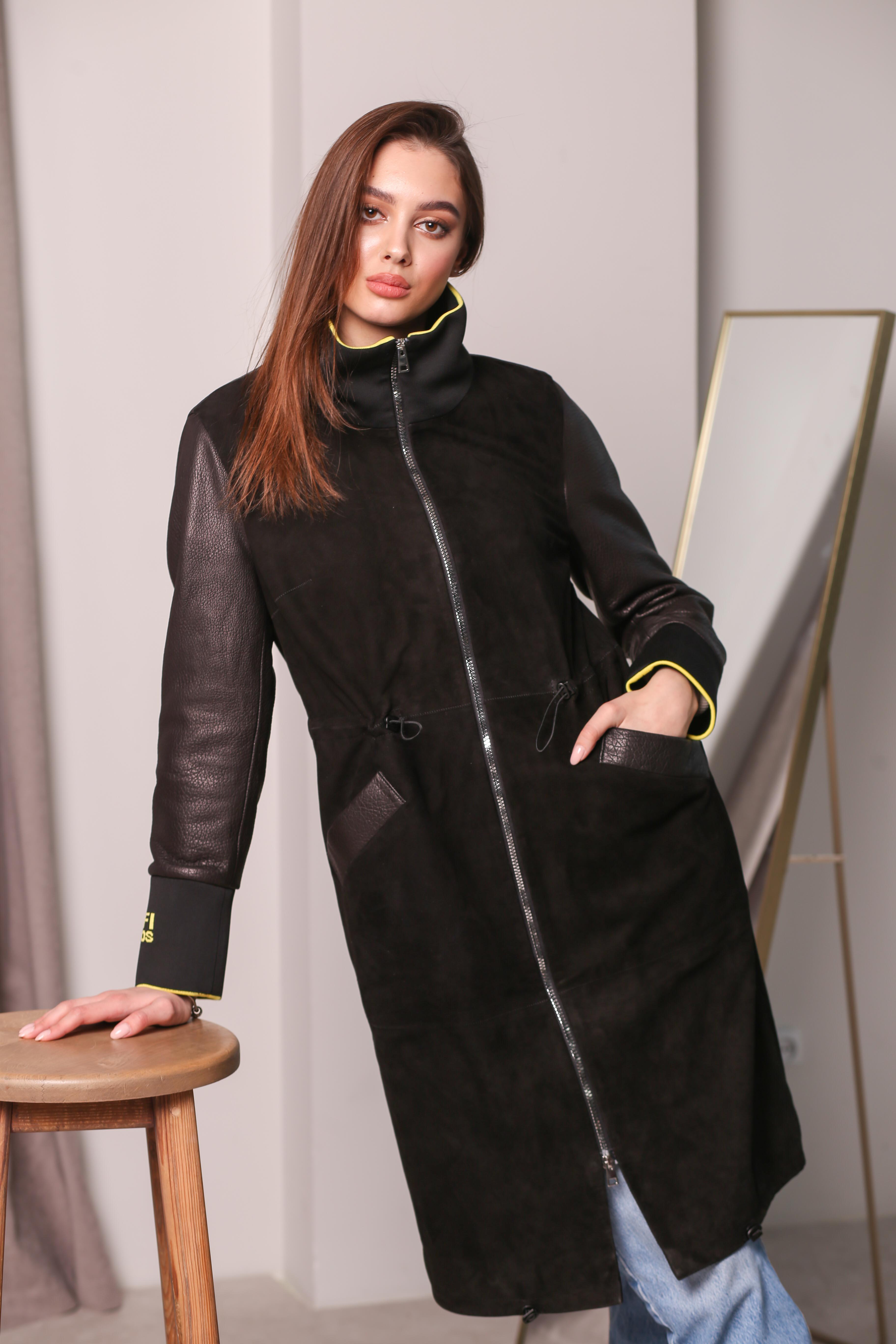 Женский замшевый плащ с кожаными рукавами  KZ-10229