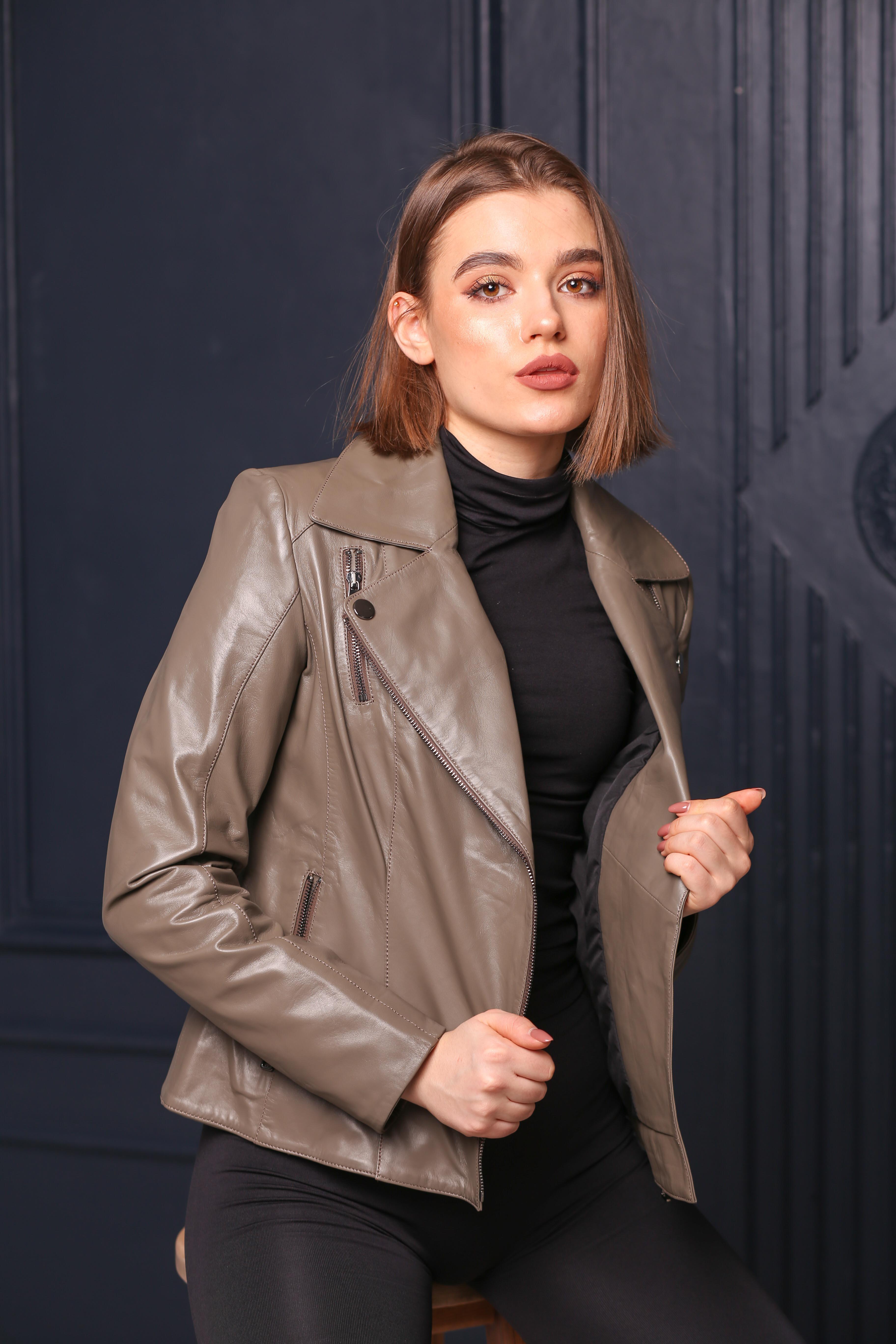 Женская кожаная куртка-косуха BZ-02